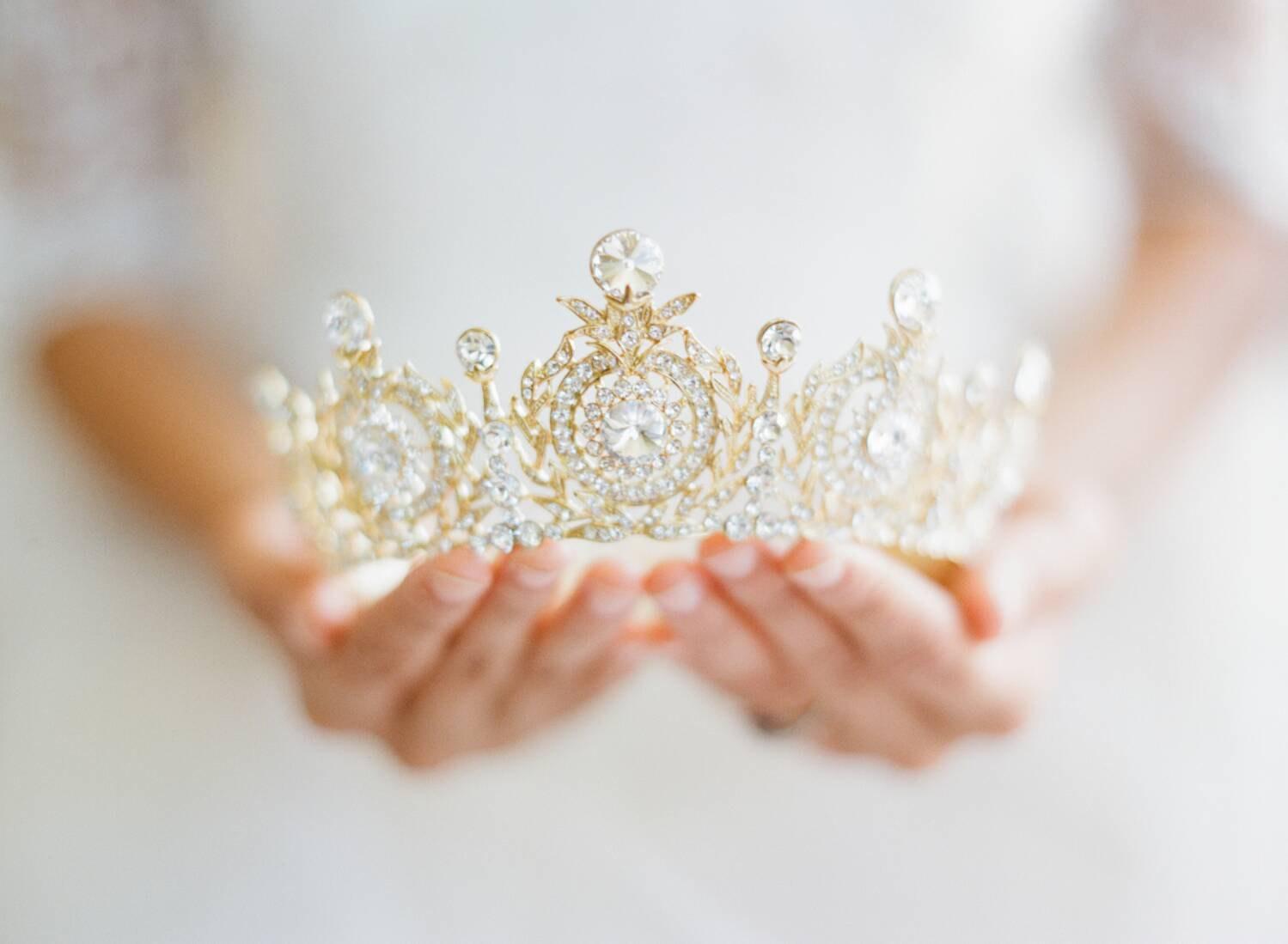 eden-luxe-bridal-tiara.jpg