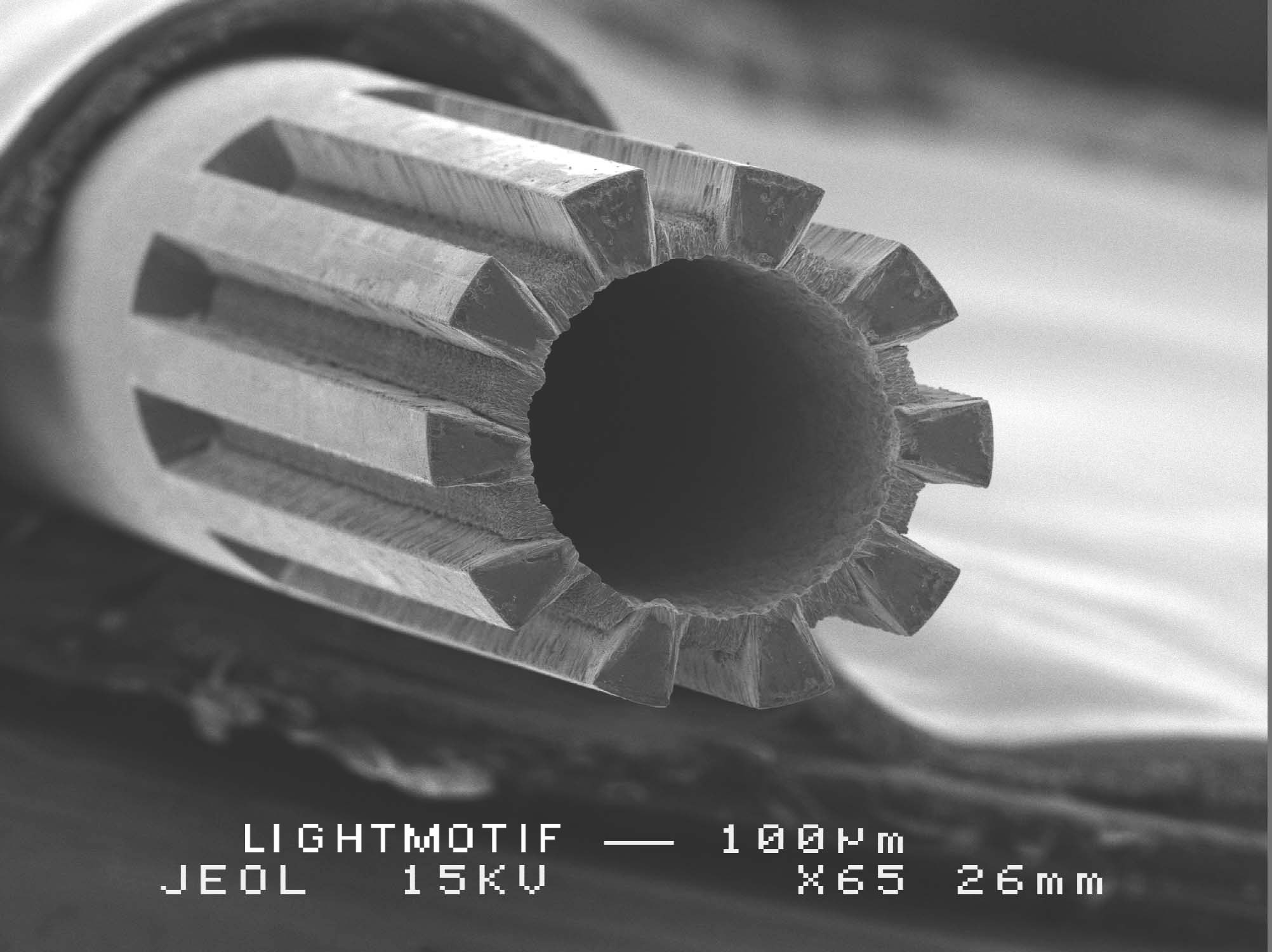 micromachined_needle.jpg