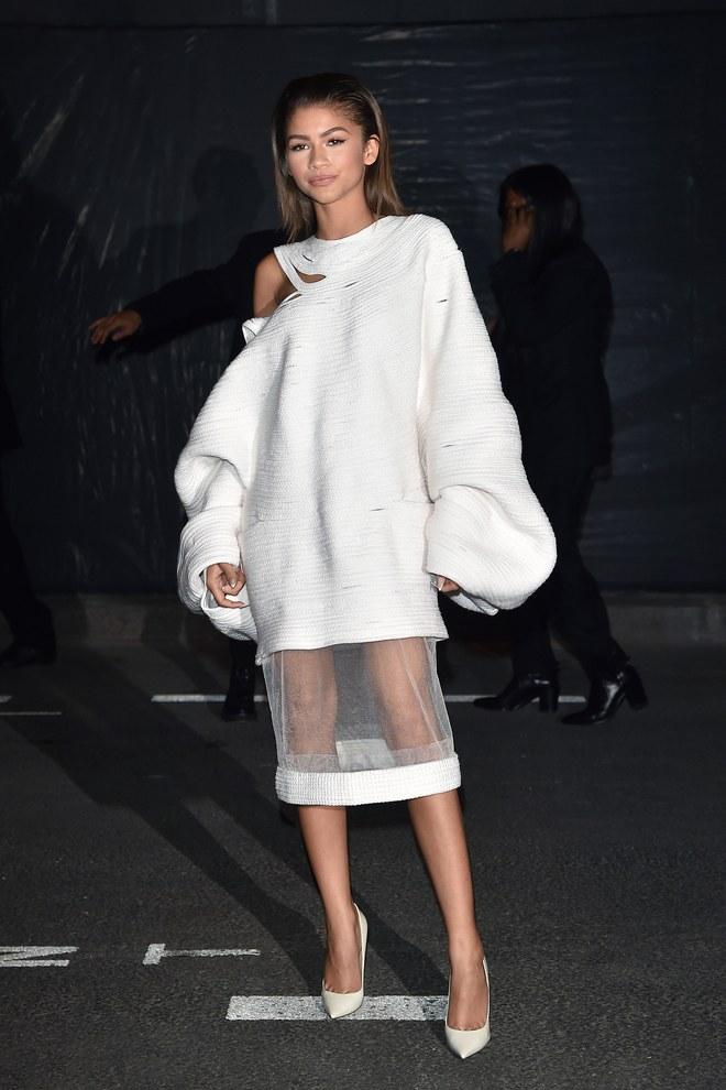 zendaya-paris-fashion-week-02.jpg