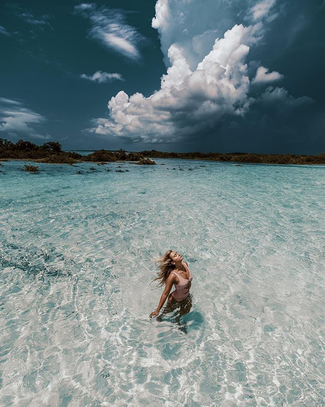 Eye of the storm ⛈💦 📸 @jackbatesphotography  Swim 👙 @revolve ✨