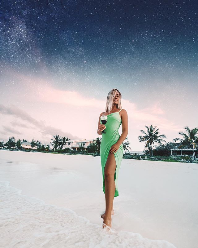I can't stand at the waters edge without the urge to jump.... anyone else have that problem? 💦 Dress by @revolve 💚 ✨ 📸 @jackbatesphotography . . . #photography #travel #travelphotography #bahamas #sheisnotlost #speechlessplaces #girlsborntotravel #passionpassport #tlpicks #dametraveler #shetravels #meettheworld #darlingescapes #revolve #revolvearoundtheworld