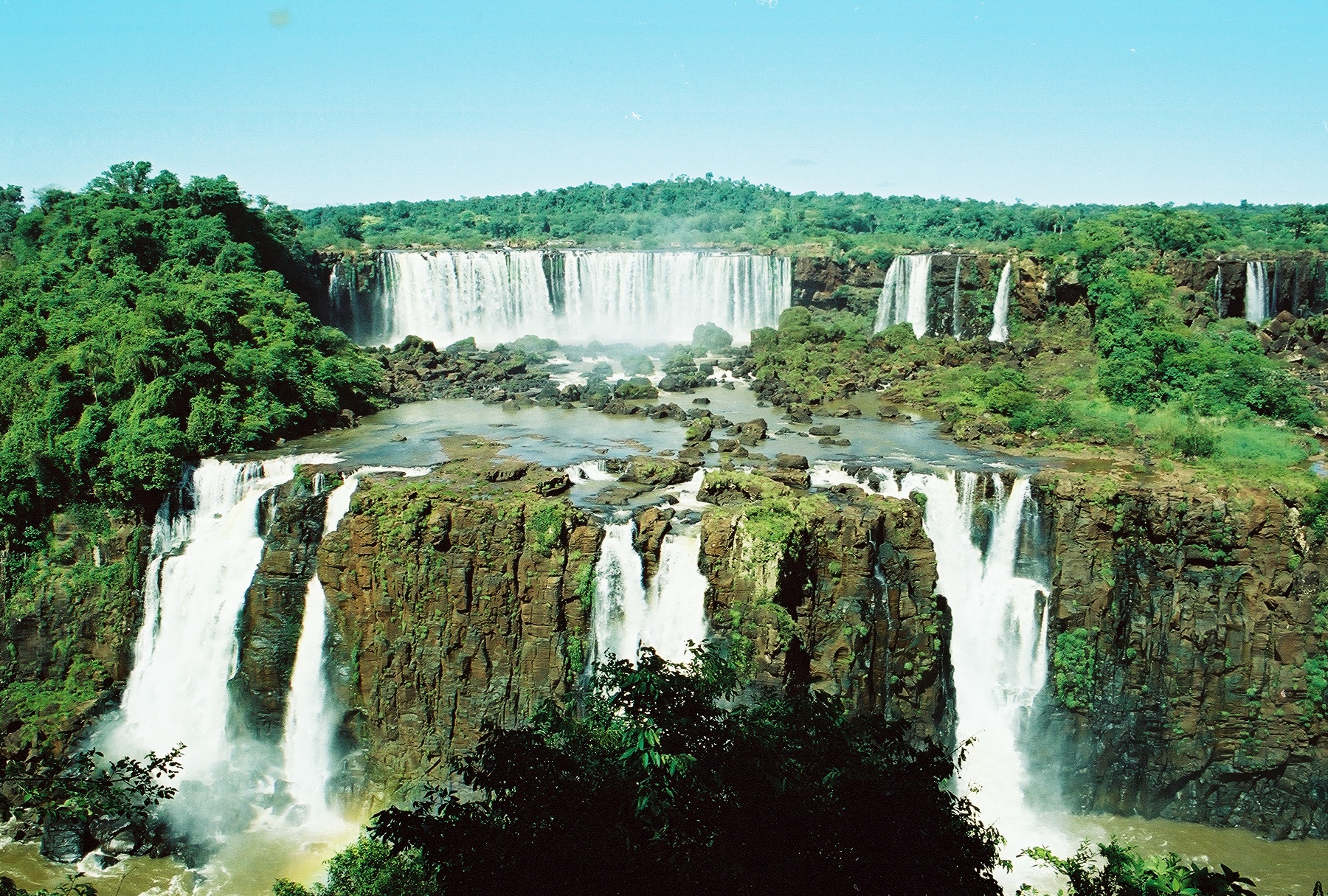 The scenery of the Iguazú falls made me recall the movie What Dreams May Come with Robin Williams. Photo: Pamy Rojas