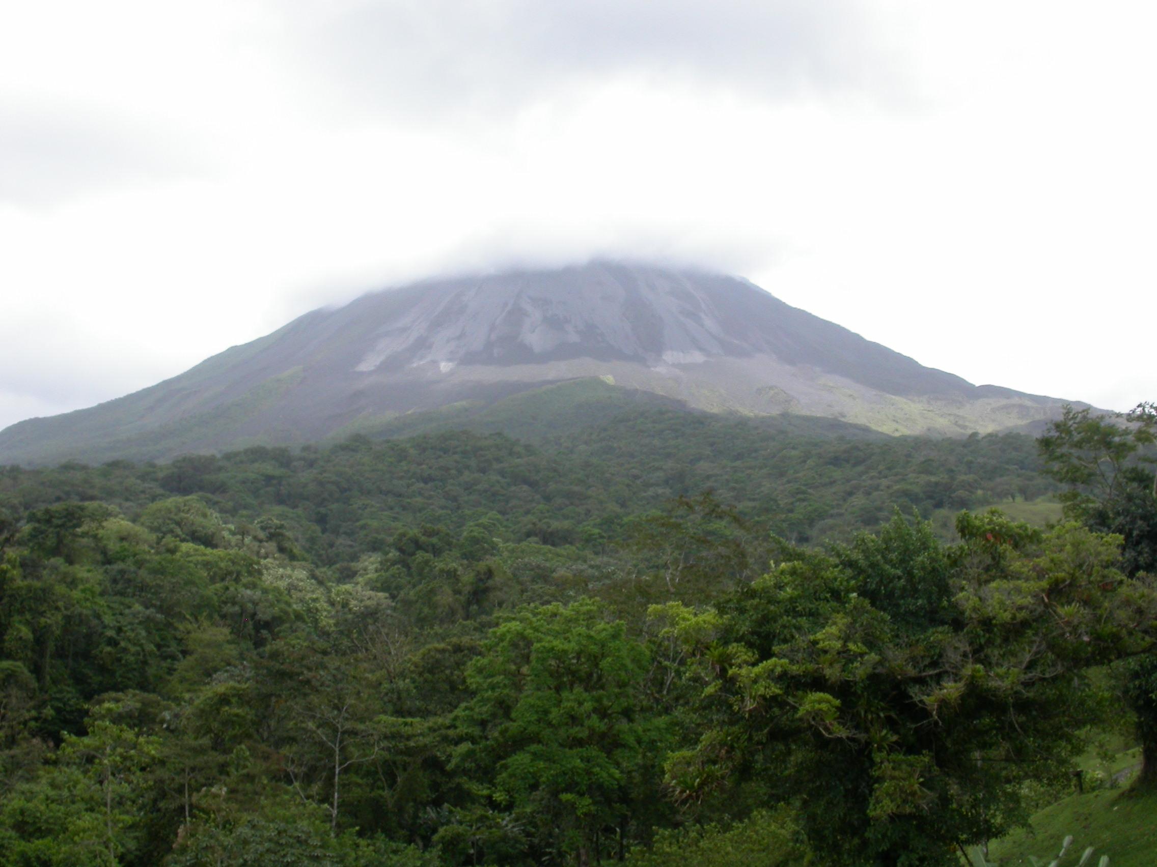 El volcán Arenal se considera activo aunque su última erupción fue en diciembre del año 2010. Foto: Marco Dettling
