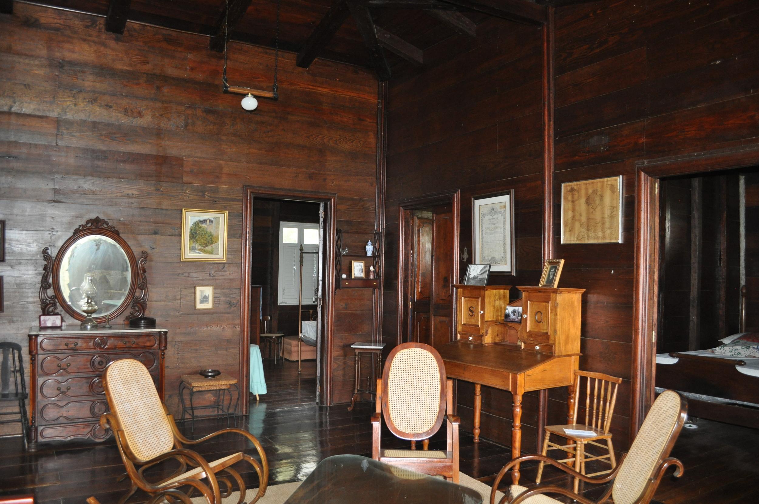 En el barrio Bartolo de  Lares  hay una casona de madera que te transporta en el tiempo. Su historia se remonta al siglo diecinueve cuando era la hacienda cafetalera de la familia Oliver. Foto: Pamy Rojas