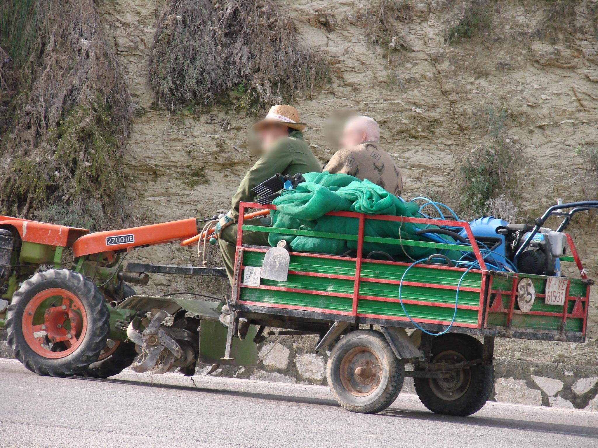 Antes de llegar a la granja nos topamos por el camino con varios granjeros. Foto: Pamy Rojas