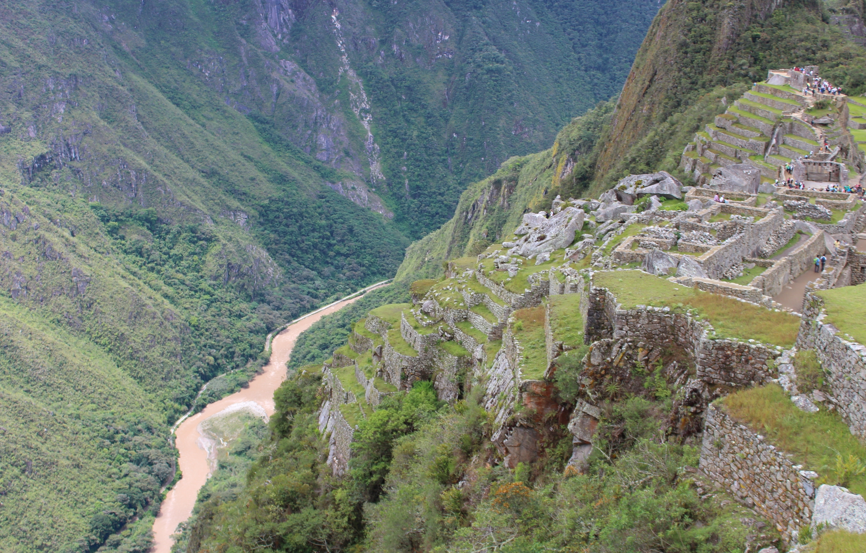 A los pies de Machu Picchu corre el caudaloso río Urubamba. Foto: Javier Vélez Arocho