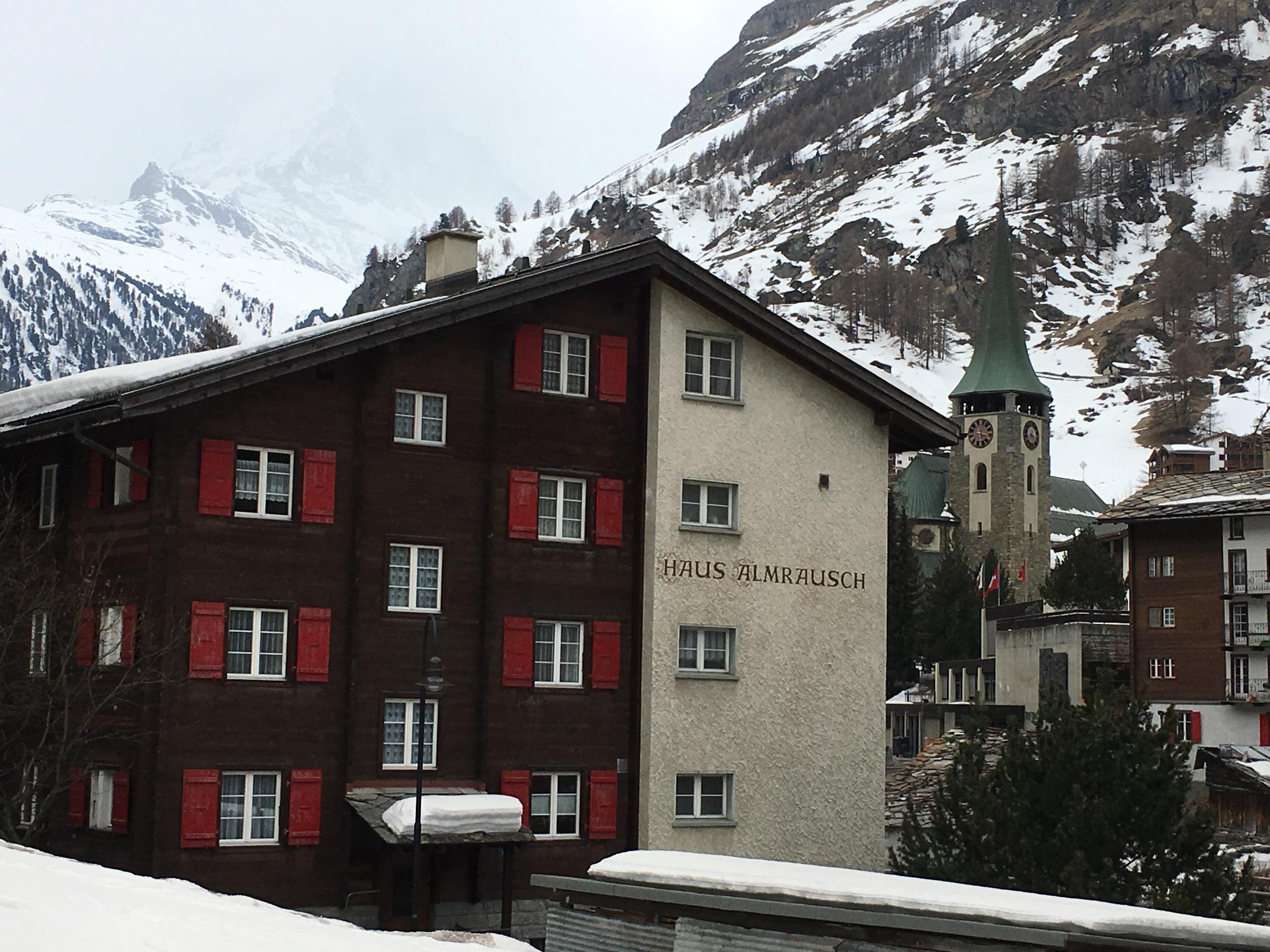 Haus Almrauch y Chalet María fueron algunos de los nombres que vimos en las casas. Foto: Bruny Nieves