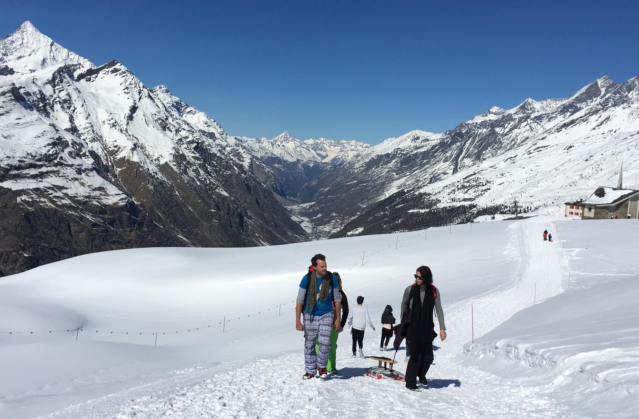 Además de las pistas para esquiar, existen otras rutas exclusivas para caminantes; que están abiertas en invierno y verano. Foto: Bruny Nieves