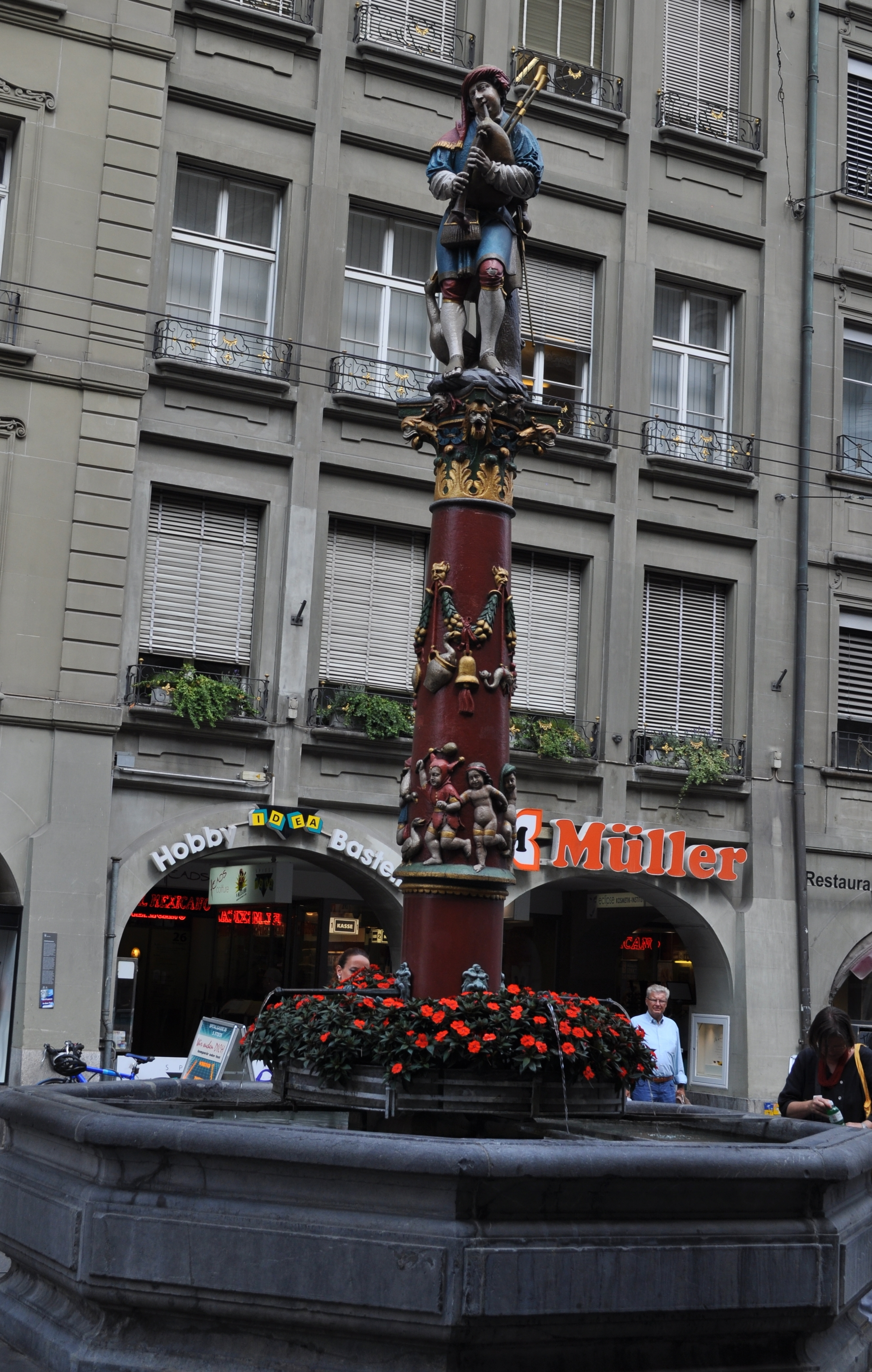 In Spitalgasse Street you can find the bagpiper's fountain. (Pfeiferbrunnen). Photo: Pamy Rojas