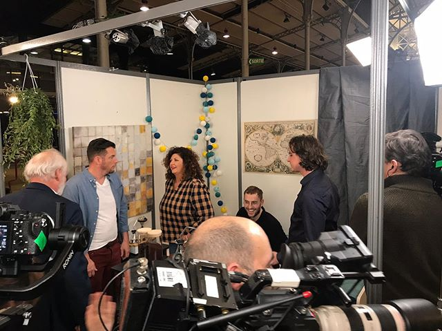 Had no idea what was going on here, but yesterday we were on @m6officiel for a dragons-den-like pitch. I was attempting to speak French and had hat hair - Nailed it! 🔨