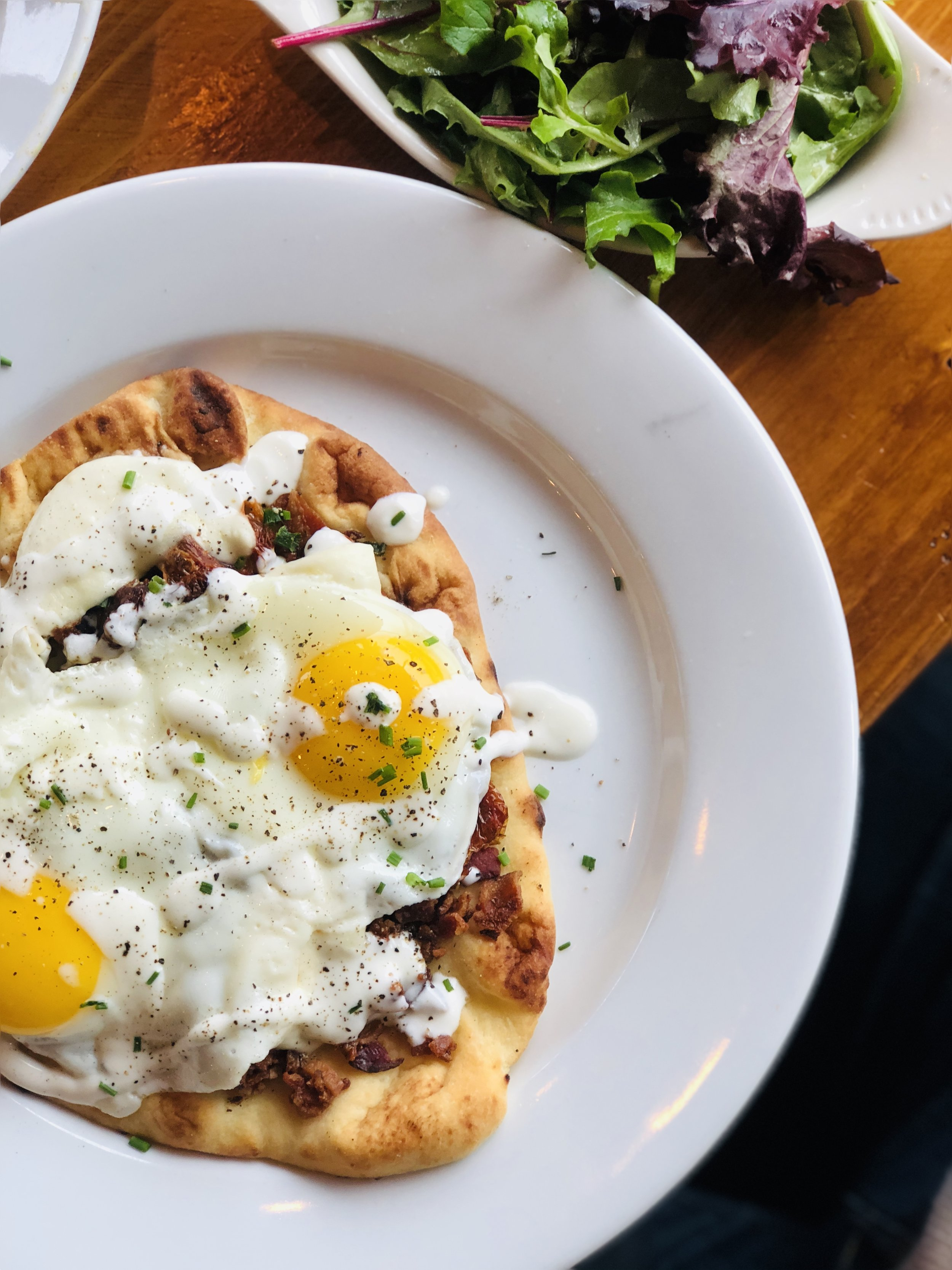 Things to do in Knoxville this Christmas, Scrambled Jake's Breakfast Company, Naan Breakfast Pizza via  Samantha Nelson Photography