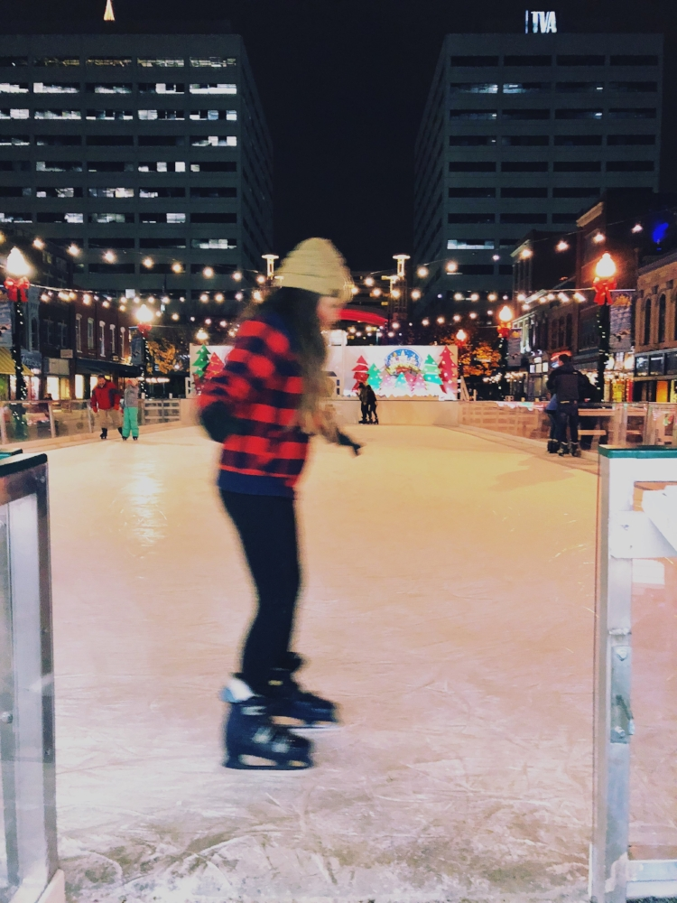 Things to do in Knoxville this Christmas, Holidays on Ice via  Samantha Nelson Photography