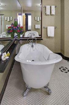Carnegie Hotel & Spa,Source:  Kayak image