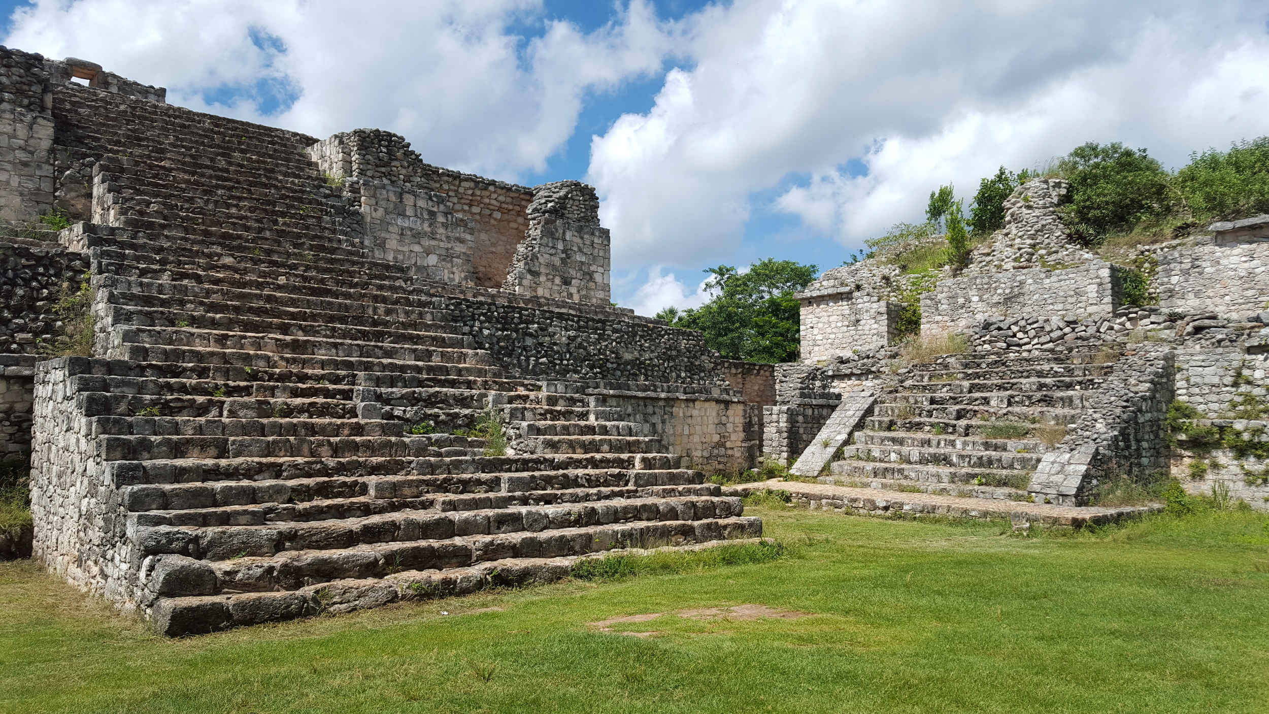 Forty five structures have been mapped thus far. The grounds span 12 kilometers but only the center is open for viewing. There are several temples, a large pyramid (El Torre), ball court and two palaces. I would give yourself about two hours to see it all.