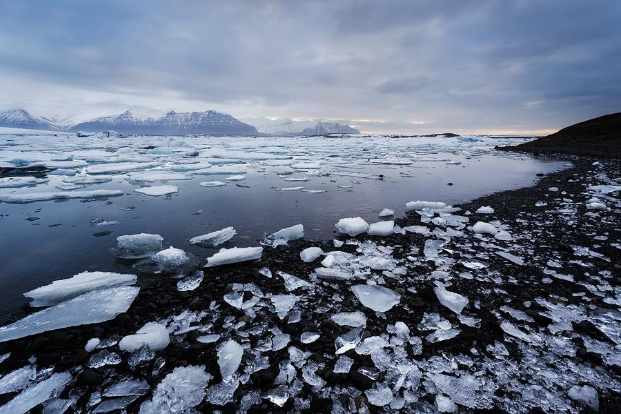 Jökulsárlón glacial lagoon in winter, southern Iceland