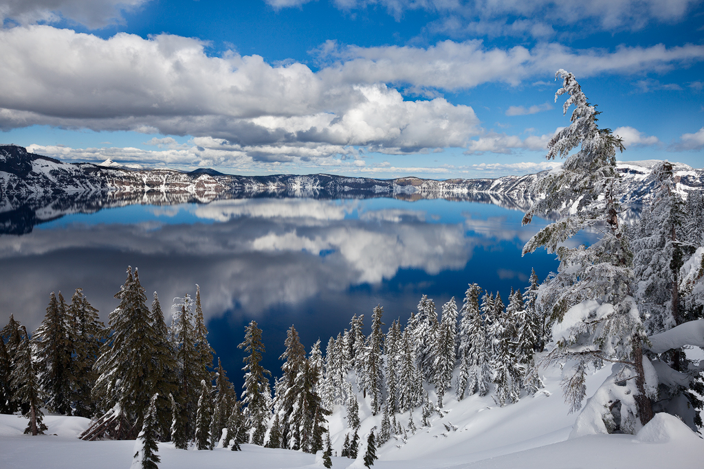 Crater Lake National Park, Oregon. (c) Ron Coscorrosa