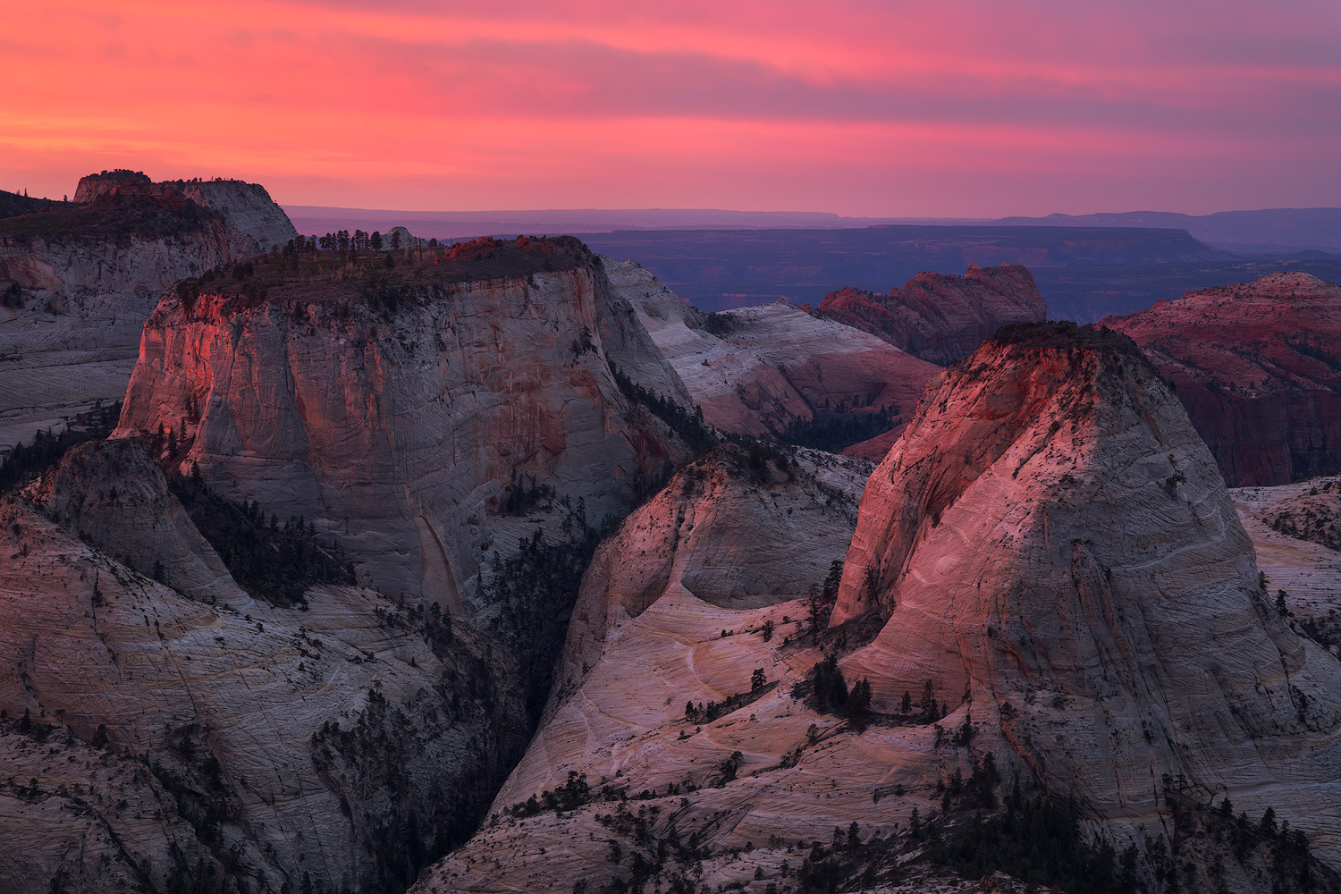 west_rim_sunrise_1500px.jpg