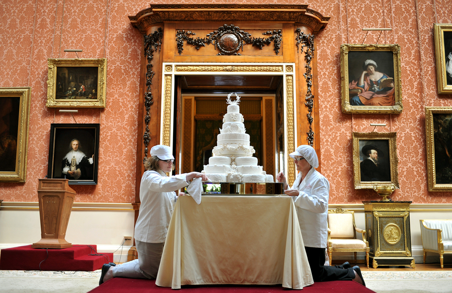 the-royal-wedding-cake_2_newsbanner.jpg