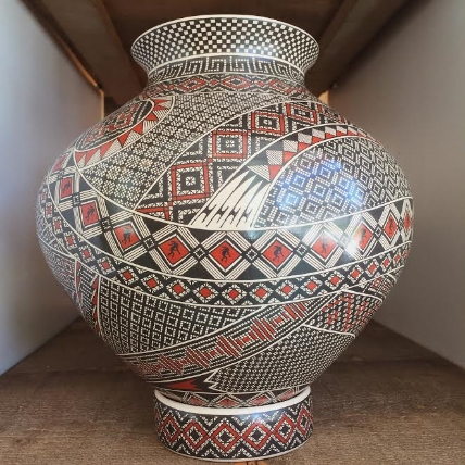 Mata Ortiz pot Modern West Fine Art