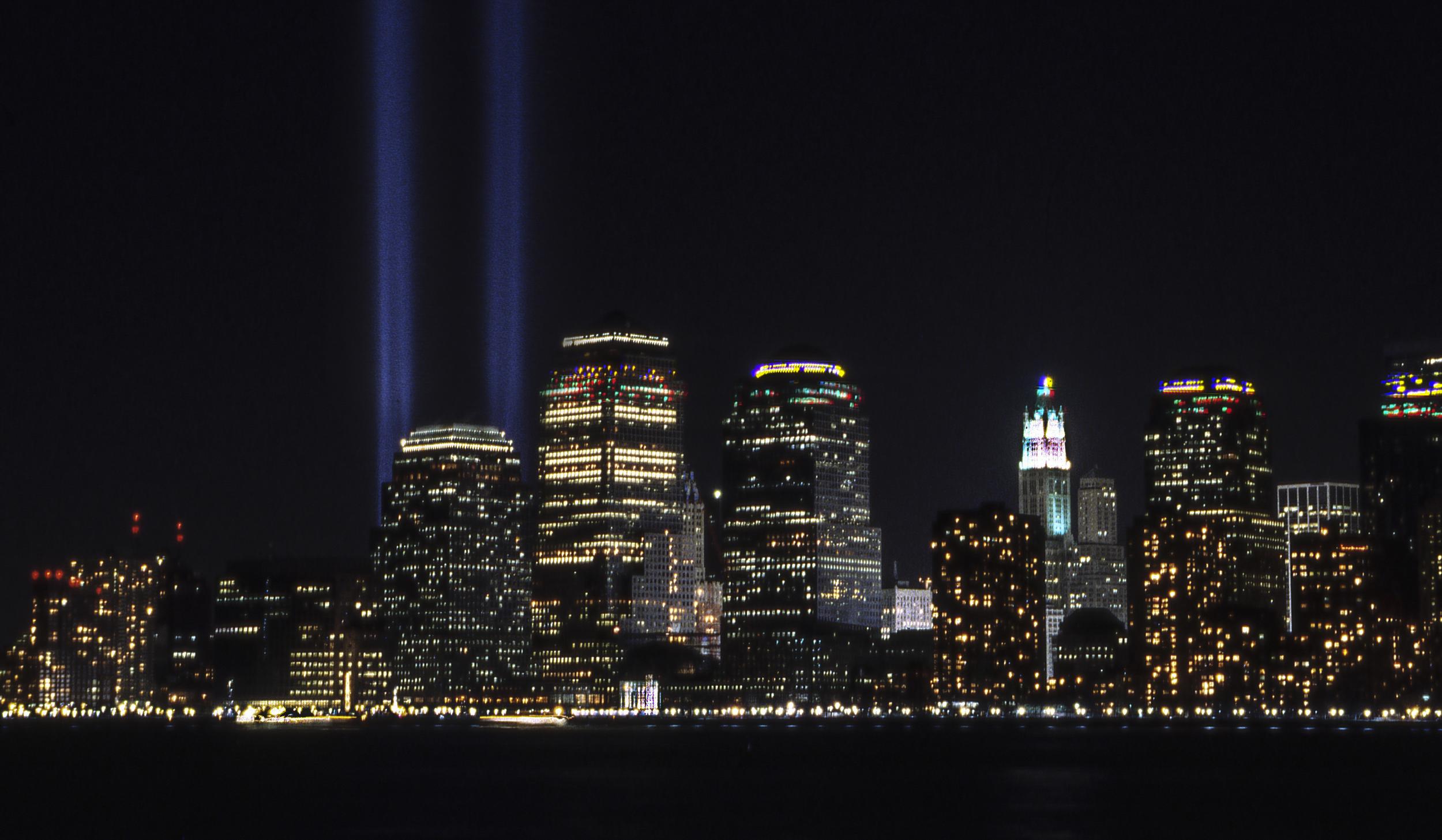 Memorial lights WTC142b.jpg