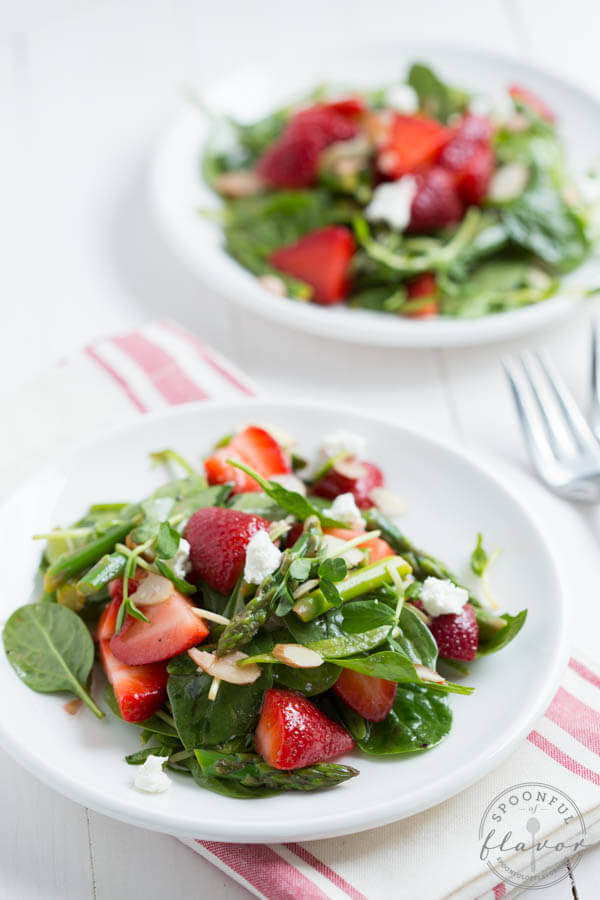 Strawberry-Spinach-and-Asparagus-Salad_7471.jpg