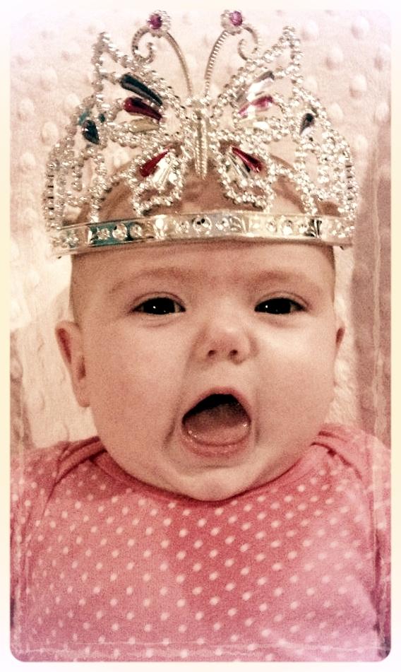 Shaia Queen 2.jpg