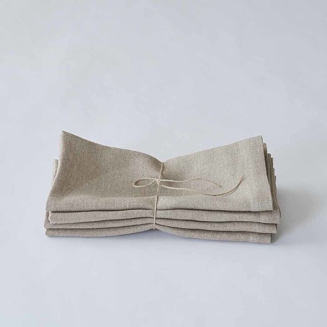 Our organic linen napkins are made from flax grown organically in France, woven into fabric at a CO2 neutral mill, then stitched into napkins at a social enterprise in London. They are undyed and minimally processed, making them one of our most sustainable products yet. ⠀⠀⠀⠀⠀⠀⠀⠀⠀ . . #organiclinen #linennapkins #organicnapkins #organictablelinen #organicflax