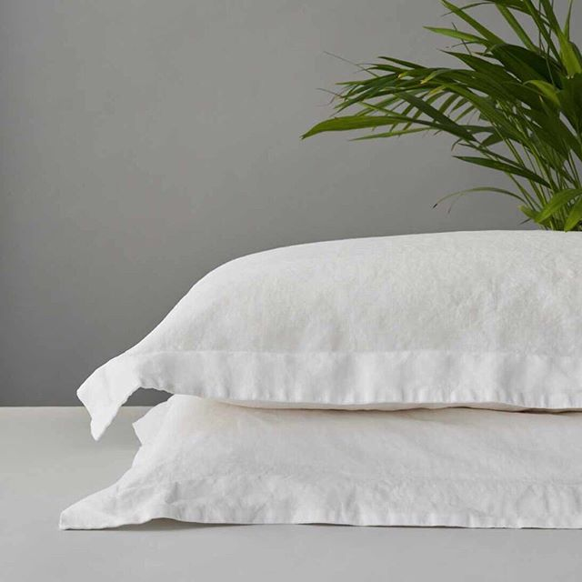 Linen bedding is a beautiful choice for the summer, as it's breathable and absorbent, so will keep you cool and comfortable. Ours is certified organic, which means you can sleep even more peacefully knowing that your bedding has contributed to a healthier environment :) To learn more about organic linen, click the link in our bio.  #organicbedding #organiclinensheets #sustainablehome #organiclinenbedding #organiclinen #organicflax #sustainableliving #mindfulluxury