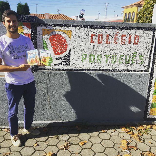 Hoje os @therumplings no @colegioportugues 📕📕 #apresentaçãoescola #booktour #literaturainfantil