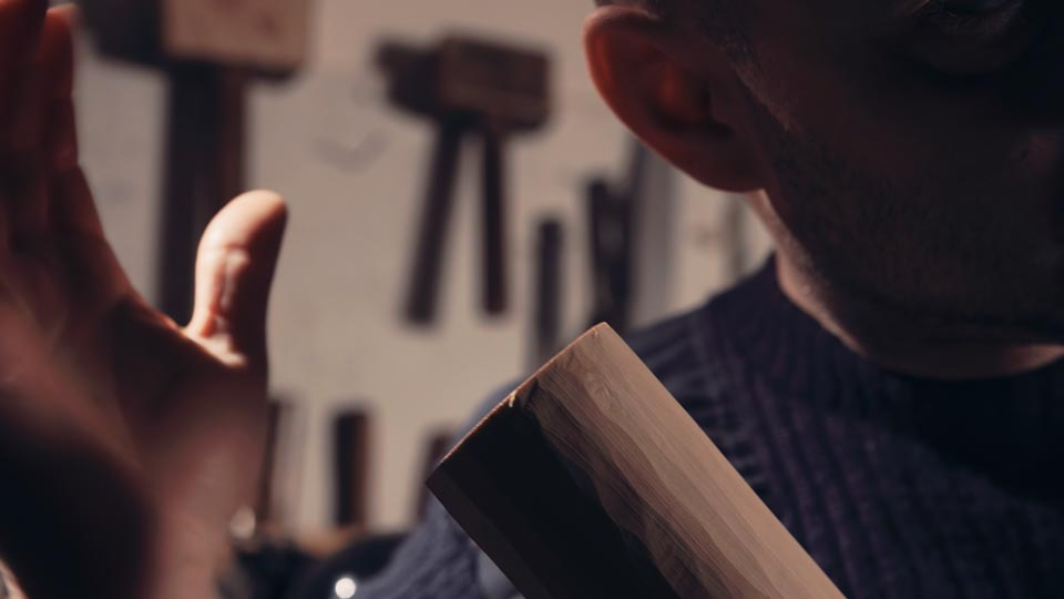 master-flute-maker-winne-clement-fluiten-luthier-craftsman-facteur-flûtes-flöten-hersteller-music-instrument-wood-wind--sound-check-blank-elder-fujara-fujaru-fujary-fujarka-overtone-harmonic-test.jpg