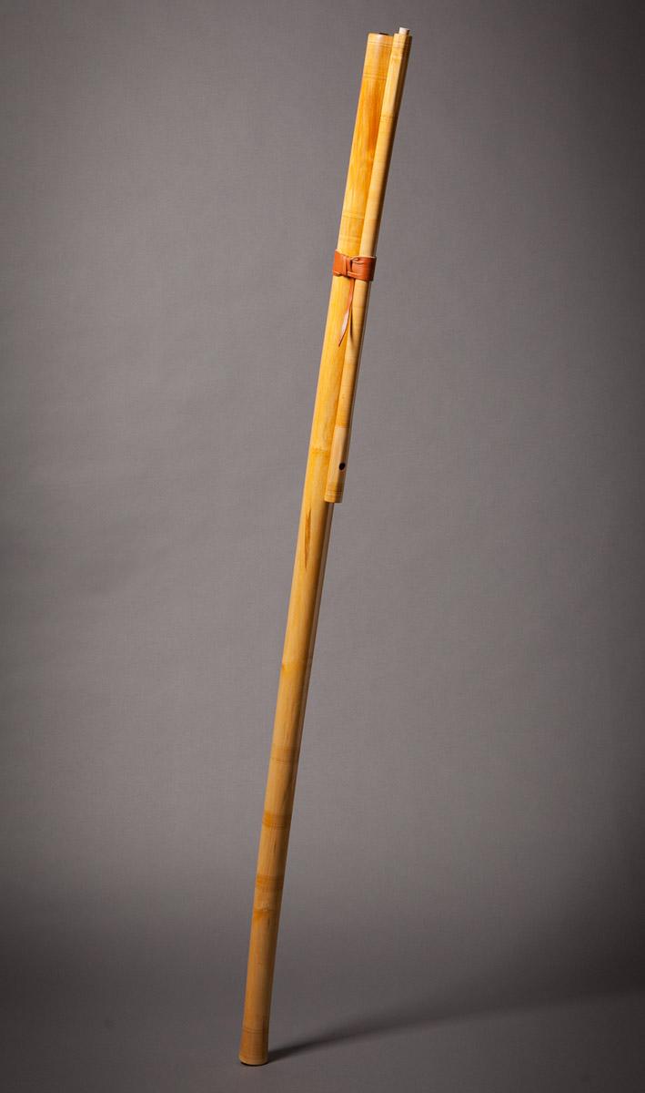 fujara-flute-master-maker-winne-clement-fluiten-luthier-craftsman-music-instrument-wood-wind--fujaru-fujary-overtone-harmonic-bass-ethnic-elder.jpg