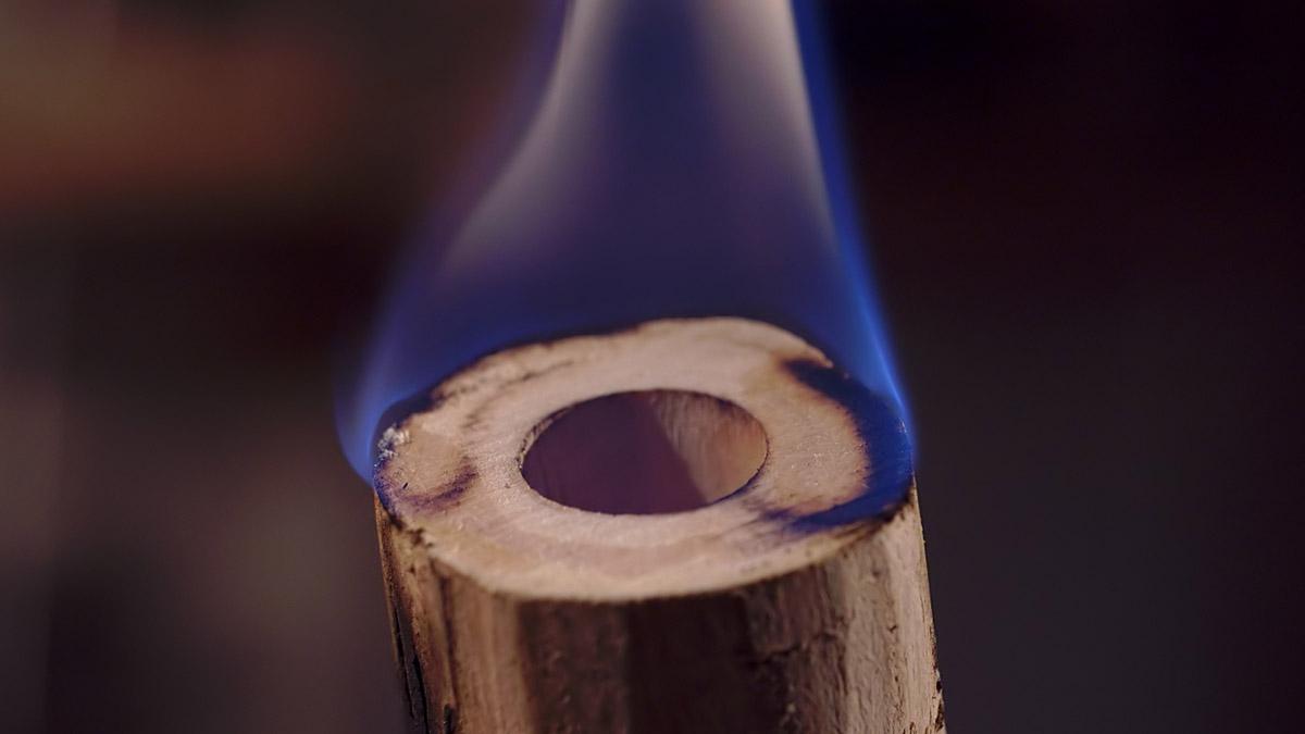 Kaval-flute-master-maker winne-clement-fluiten-maker-luthier-craftsman-music-instrument-wood-wind-hersteller-floeten--caval-fipple-dilli-fire.jpg