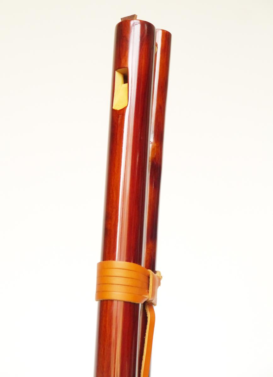overtone-flute-master-maker winne-clement-fluiten-maker-luthier-craftsman-music-instrument-wood-wind--fujara-seljefløyte-koncovka-harmonic-tilinko-shellac