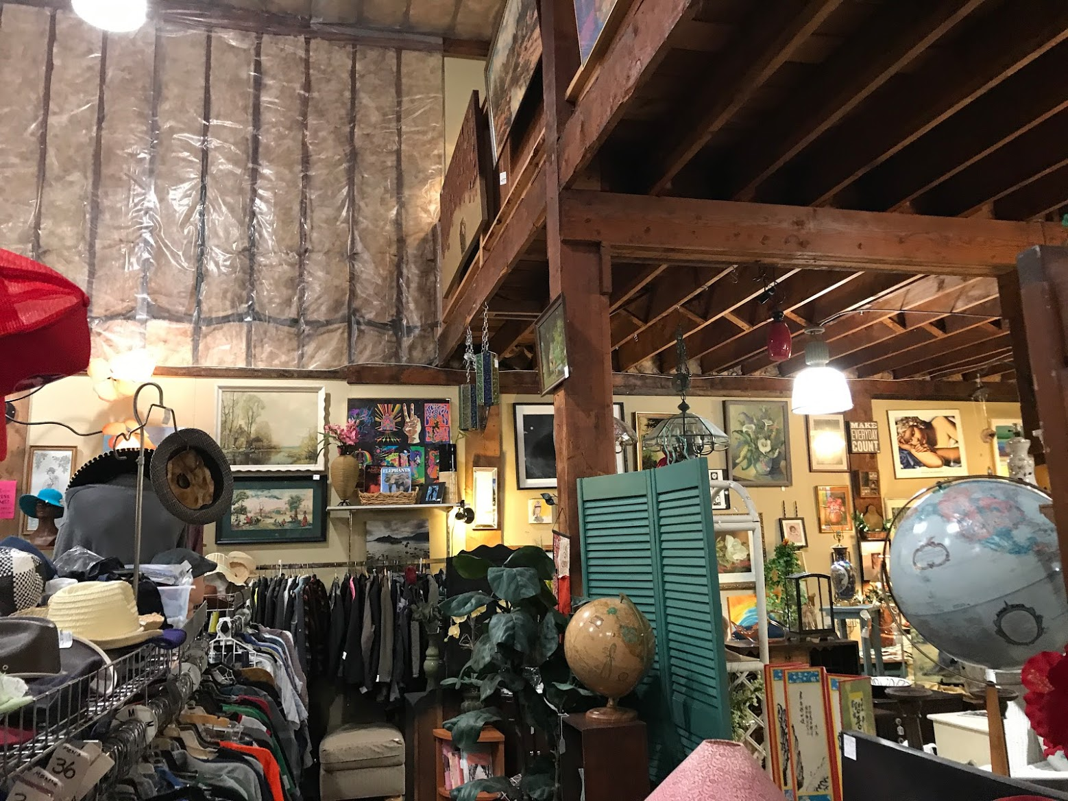"""Anyone that knows me knows I'm obsessed with finding good deals in """"junk stores"""" as my grandma would call them."""