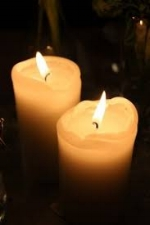 - A sequence of music and readings for Advent with the (professional) Choir of St John's in the Village, Dignity Chorus, soloist Chloe Holgate (soprano), and organist Ed Broms.Music by Carson Cooman (born 1982), Heinrich Isaac (1450-1517), Orlando Gibbons (1583-1625), Buddy Greene (born 1953) and others, with excerpts from Handel's Messiah.The carol service is followed by a mulled wine reception (with hot soft drink alternative). Free.