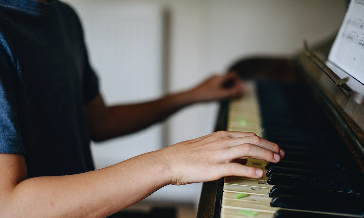"- 14-year-old Hiro McCutcheon was born in New York City and has played piano for about six years. In this concert, his first solo recital, he performs single movements and works by Beethoven (including the first movement of the ""Moonlight"" Sonata), Mozart, Schubert, Chopin, and Debussy.Free. No booking required."