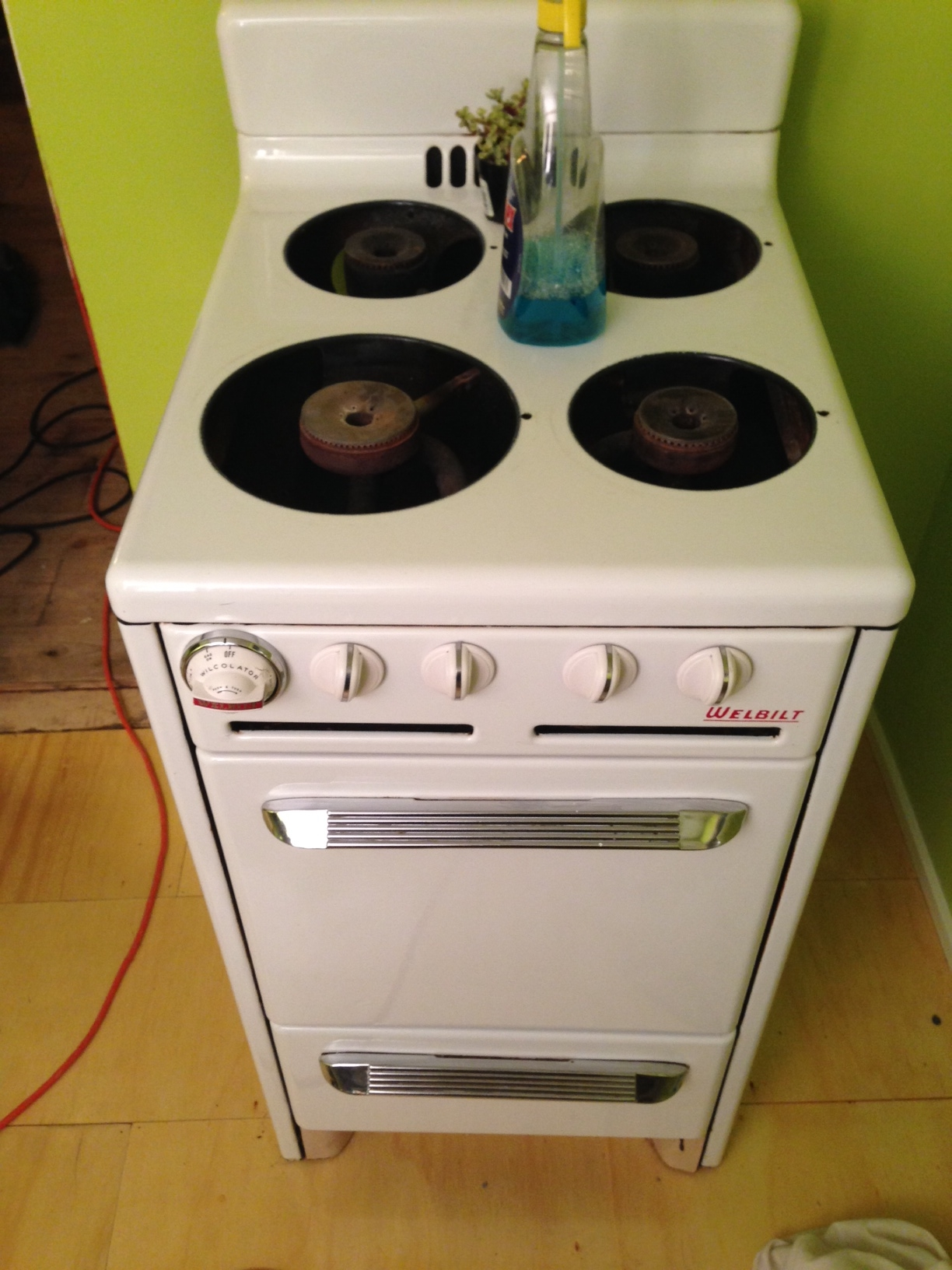 A sweet surprise - perfect condition vintage propane stove. Just needed a little elbow grease!