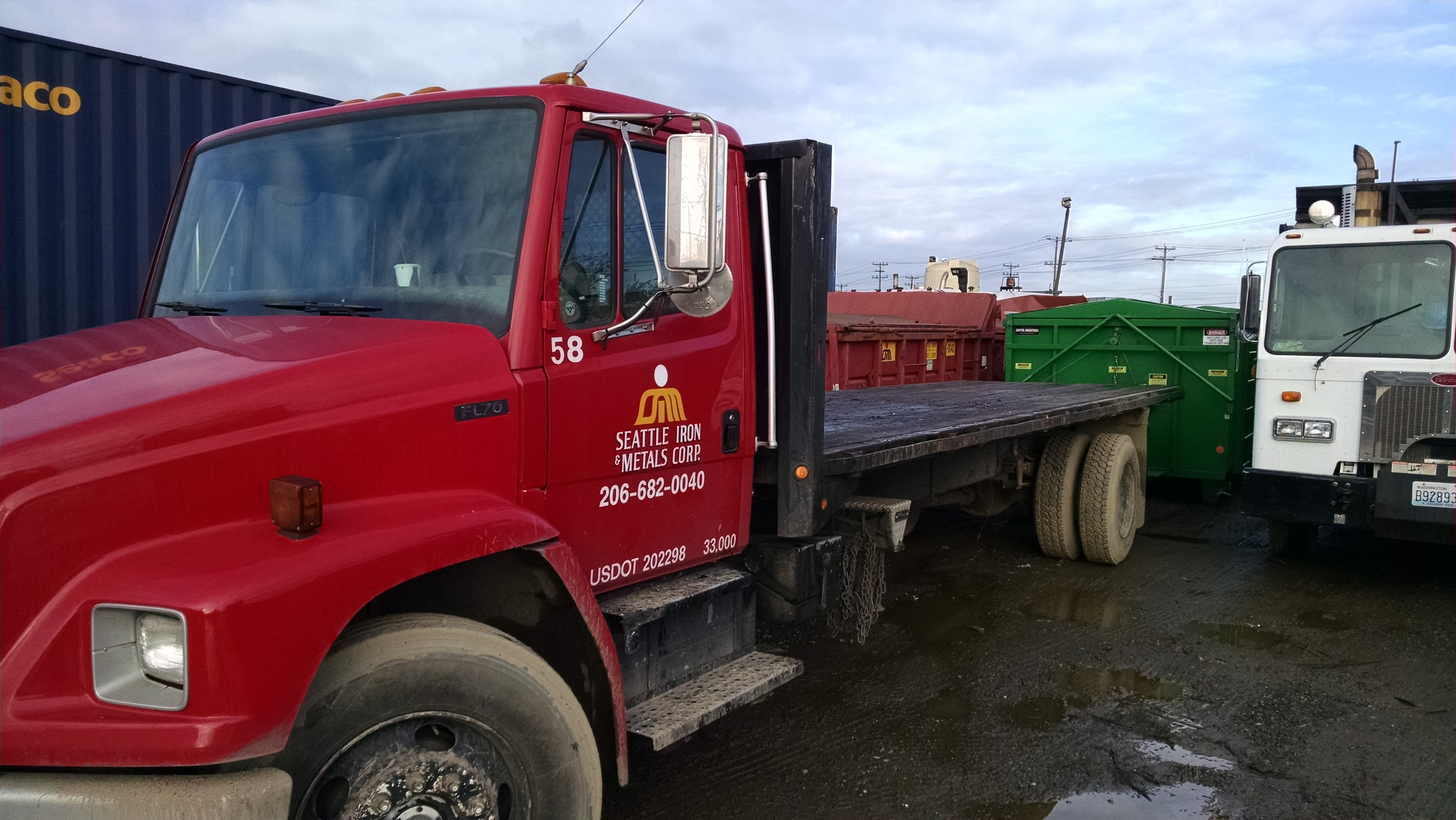 Solo 24' Flatbed Truck