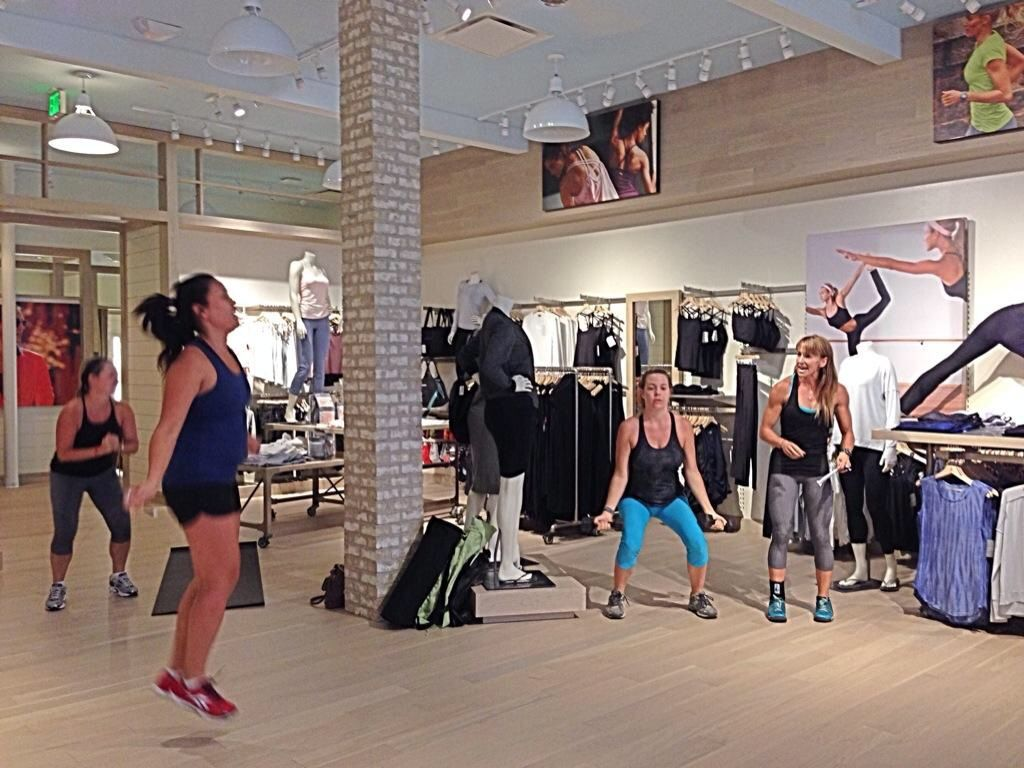 Check the calendar to see what's happening at the Athleta UTC Mall in La Jolla, CA. There are so many great classes. I had the opportunity to teach a Boot Camp class and can't wait to do it again soon. I'll be sure to let everyone know the next time I teach, and I'm looking forward to seeing my Athleta family again for Boot Camp Round 2.
