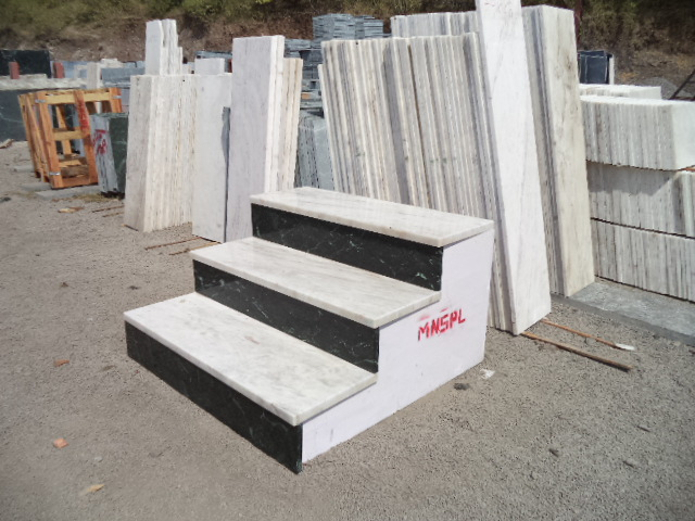 Steps with Aternate Colour (5).JPG