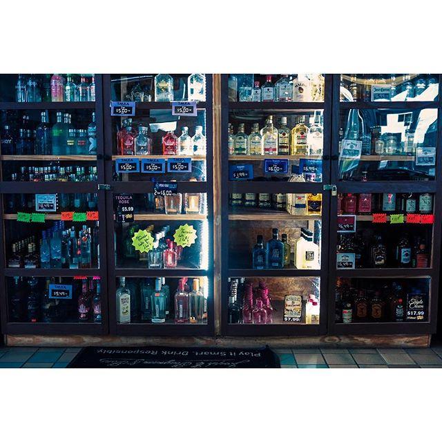 Liquor store chronicles  _ _  #womaninstreet #streetpotography #streetshared #streethunters #twgrammers #streetphotographer #streetpoto #streettogs #fujiframe #fujifilmx_us #fujifilmxseries #fujixt2 #fujifilmxt2 #myfujifilm #fujifeed #lensculture #documentinglife #igtravel #illuminateclasses  #whereistand #natgeoyourshot
