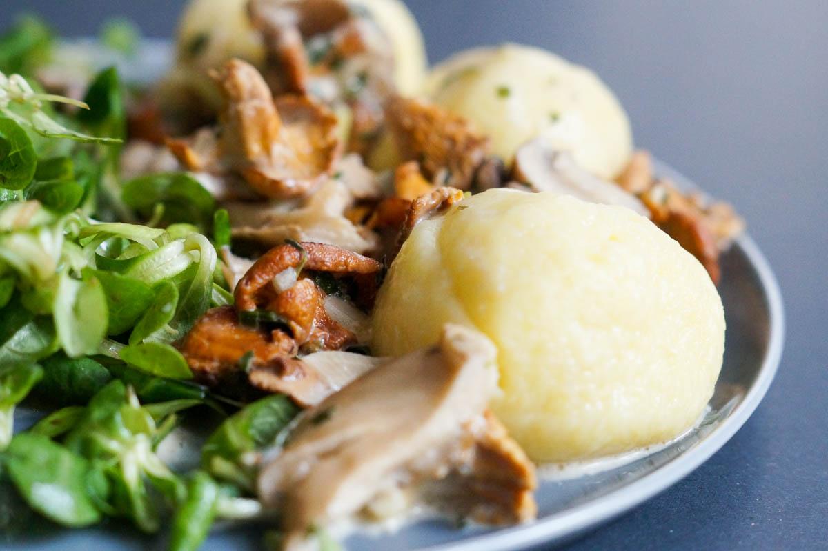 Pilze mit Kartoffelklössen