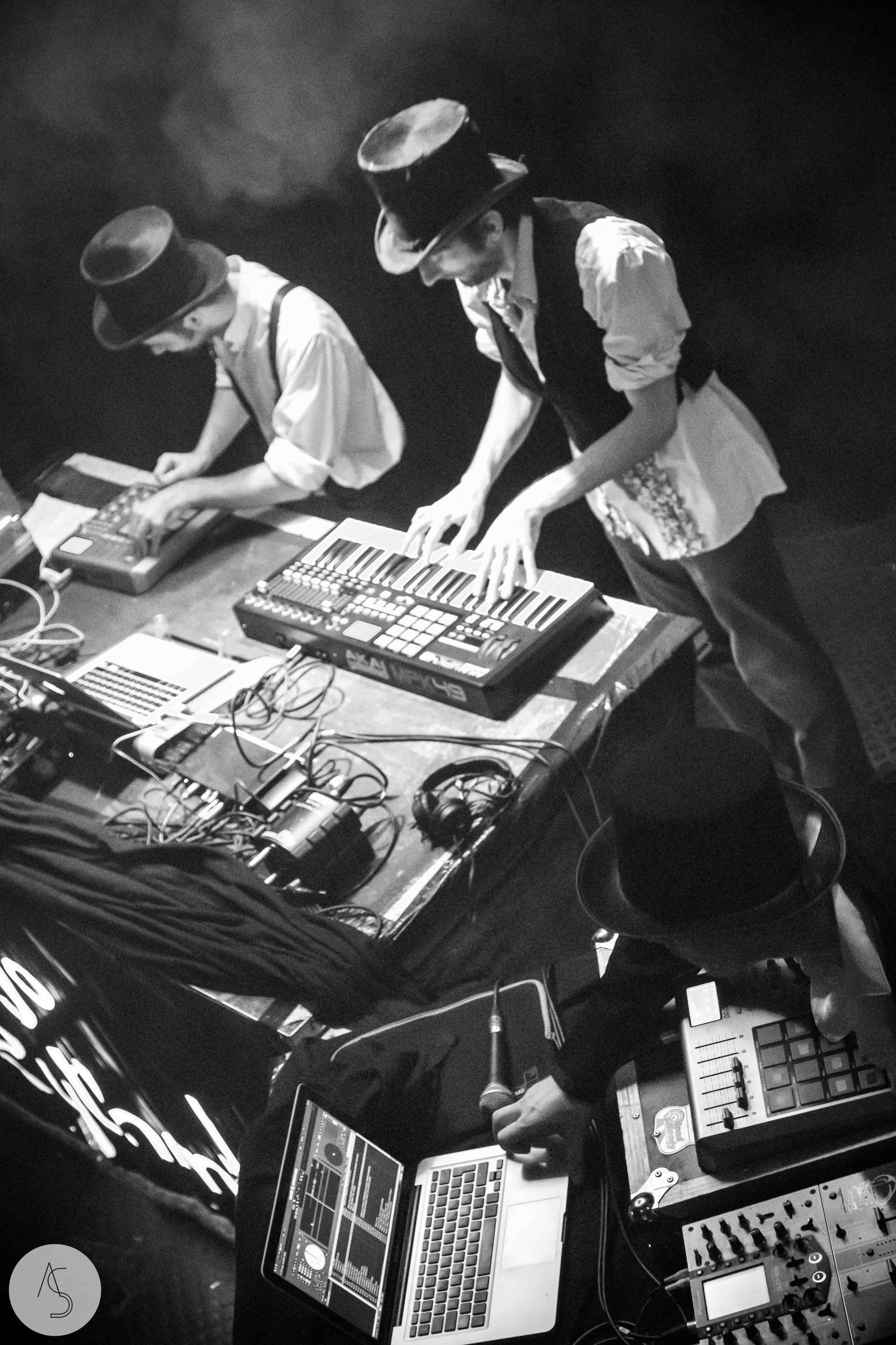 Electro swing cabaret - Ninkasi- photographe evenements - Adriana Salazar photo-66.jpg