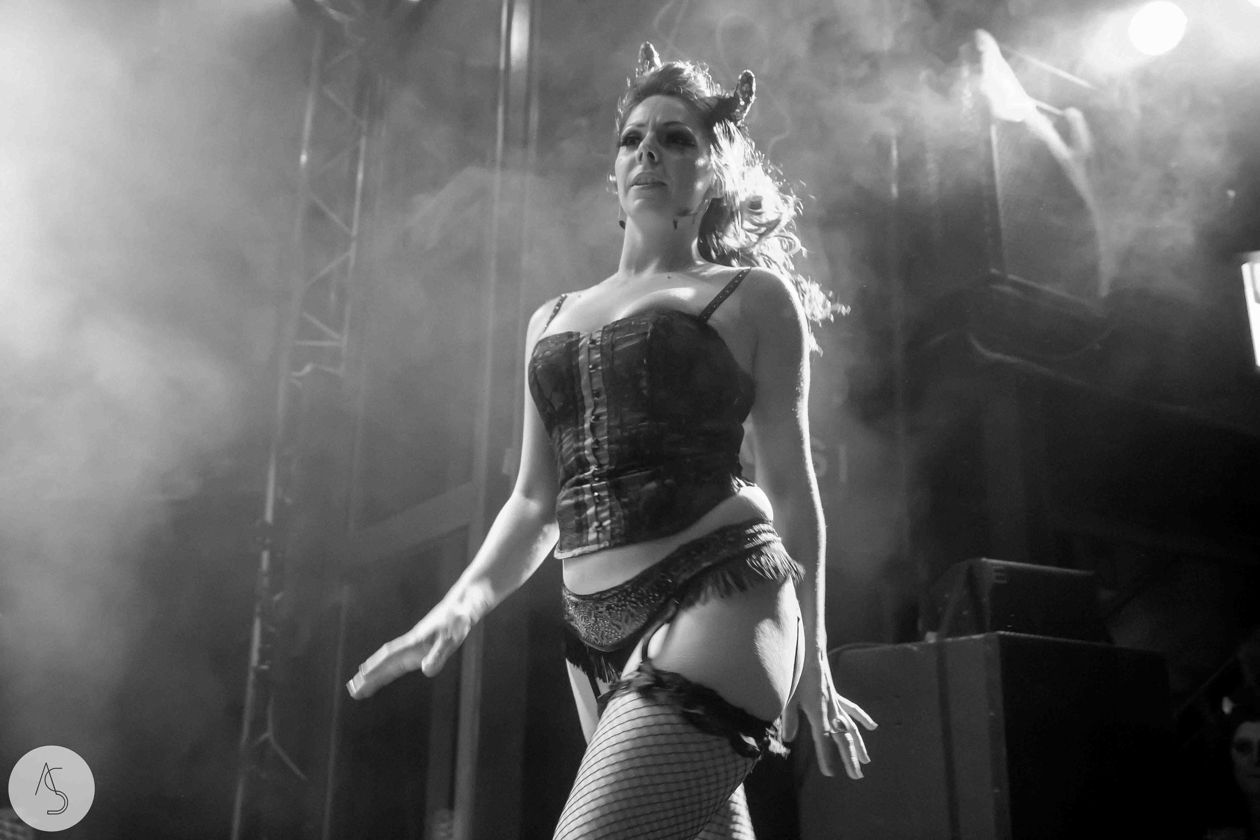 Electro swing cabaret - Ninkasi- photographe evenements - Adriana Salazar photo-192.jpg