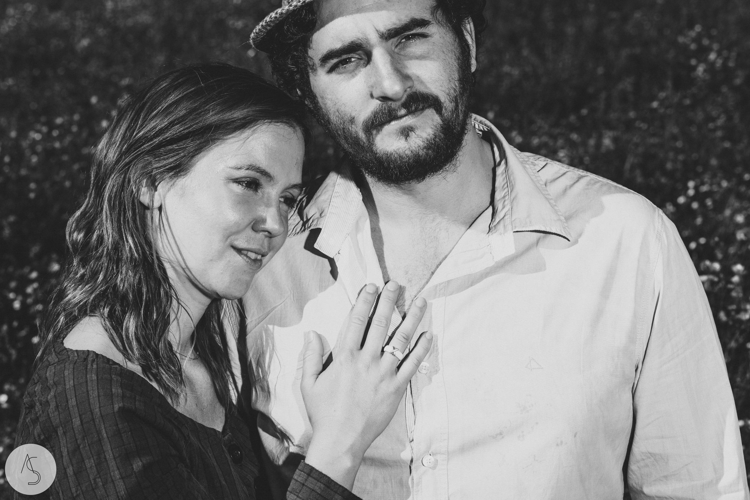 Séance engagement - La Drôme - Lifestyle_ Photographe couple3.jpg
