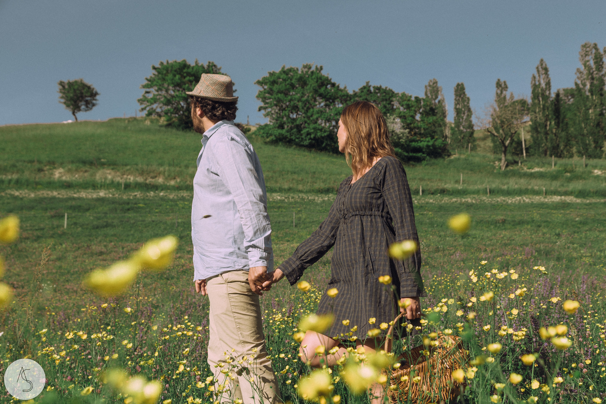 Séance engagement - La Drôme - Lifestyle_ Photographe couple10.jpg