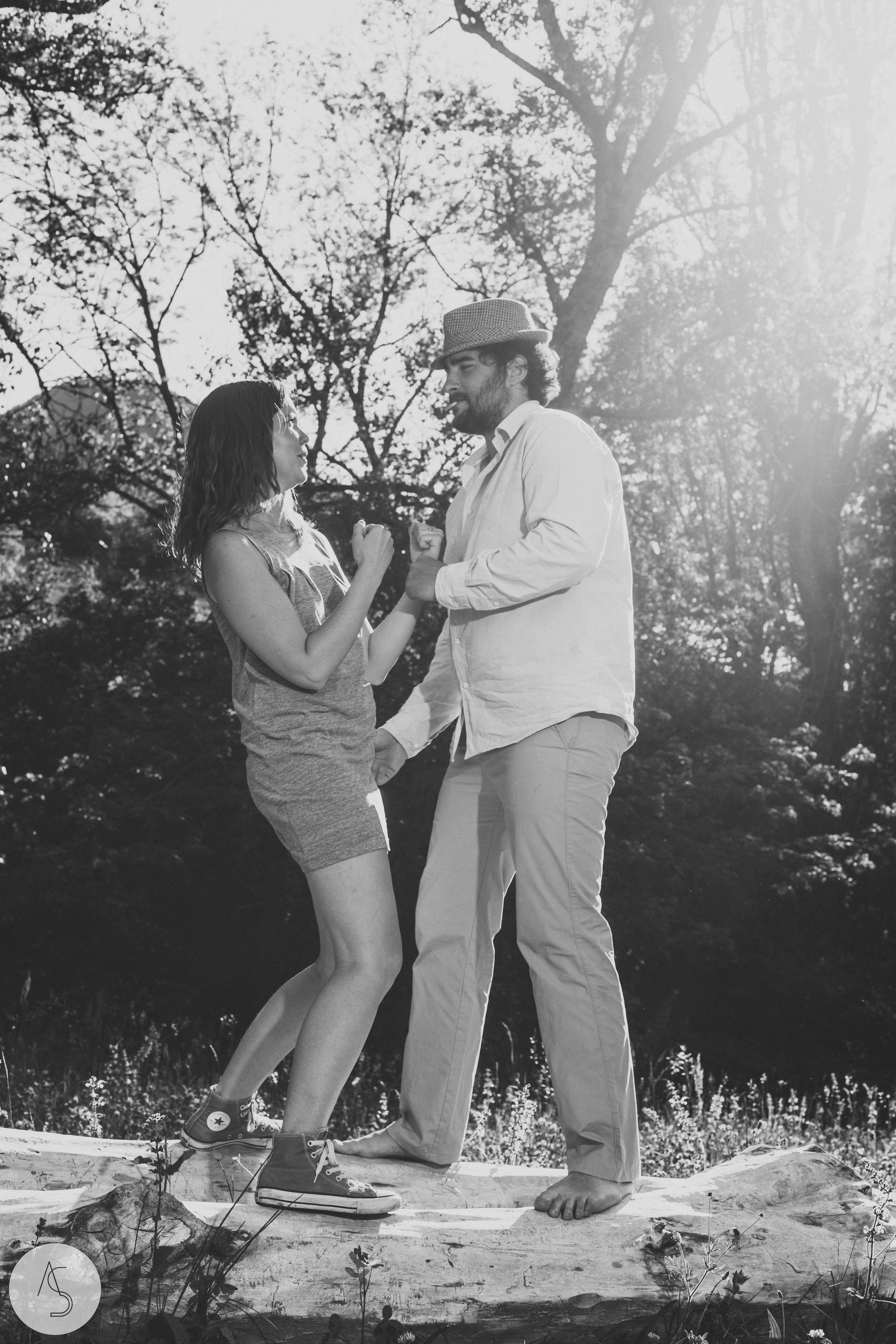 Séance engagement - La Drôme - Lifestyle_ Photographe couple23.jpg