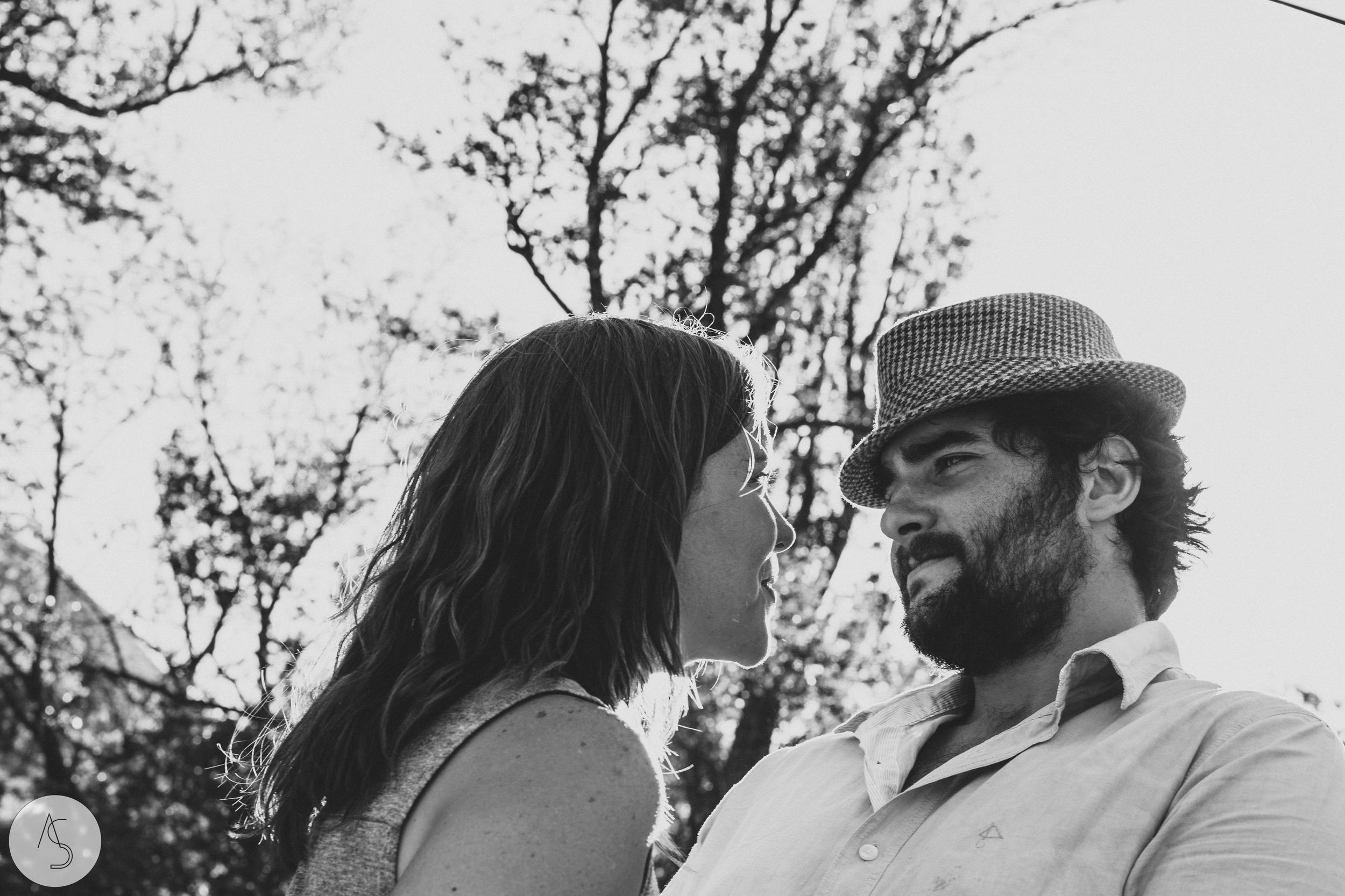 Séance engagement - La Drôme - Lifestyle_ Photographe couple27.jpg
