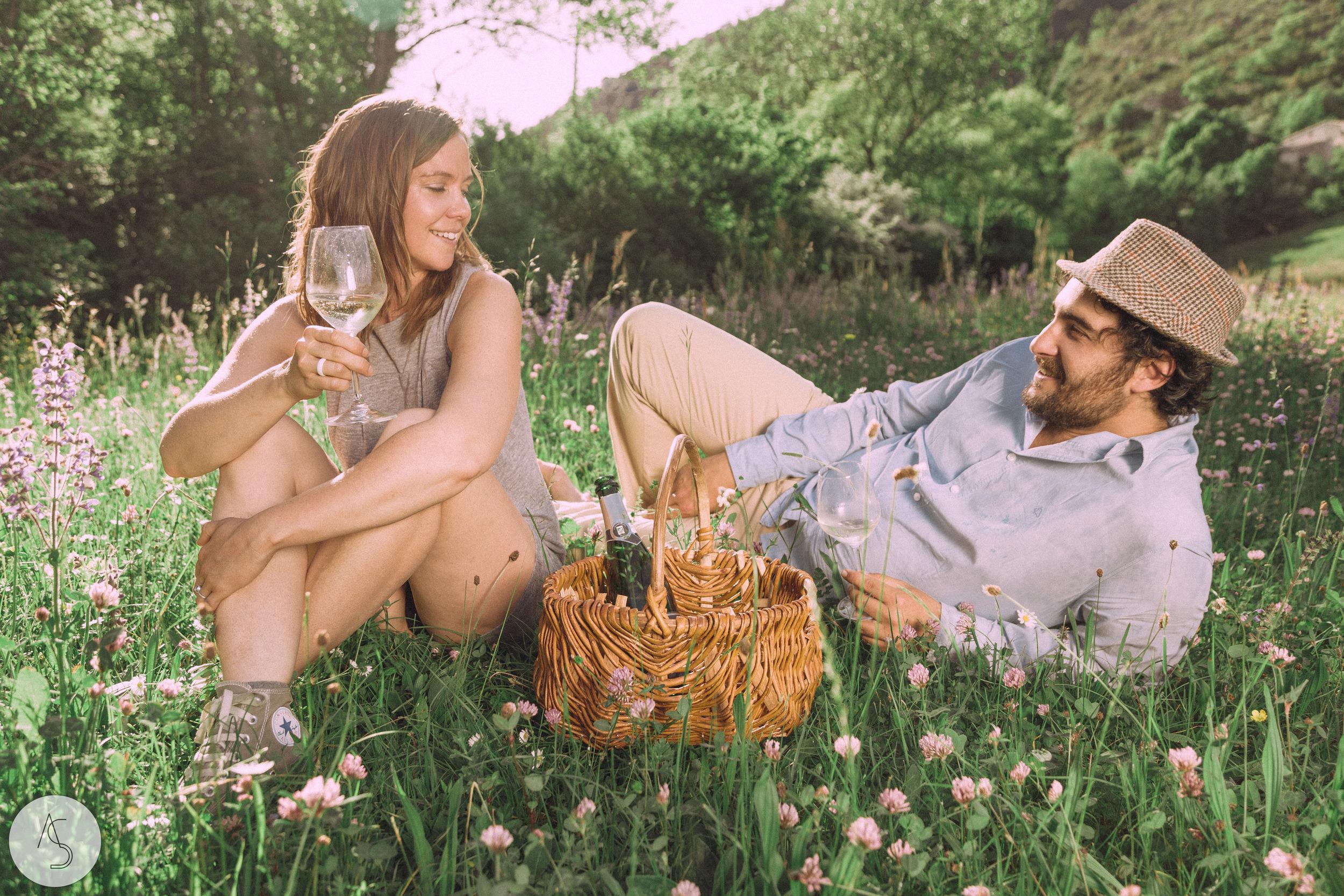 Séance engagement - La Drôme - Lifestyle_ Photographe couple29.jpg