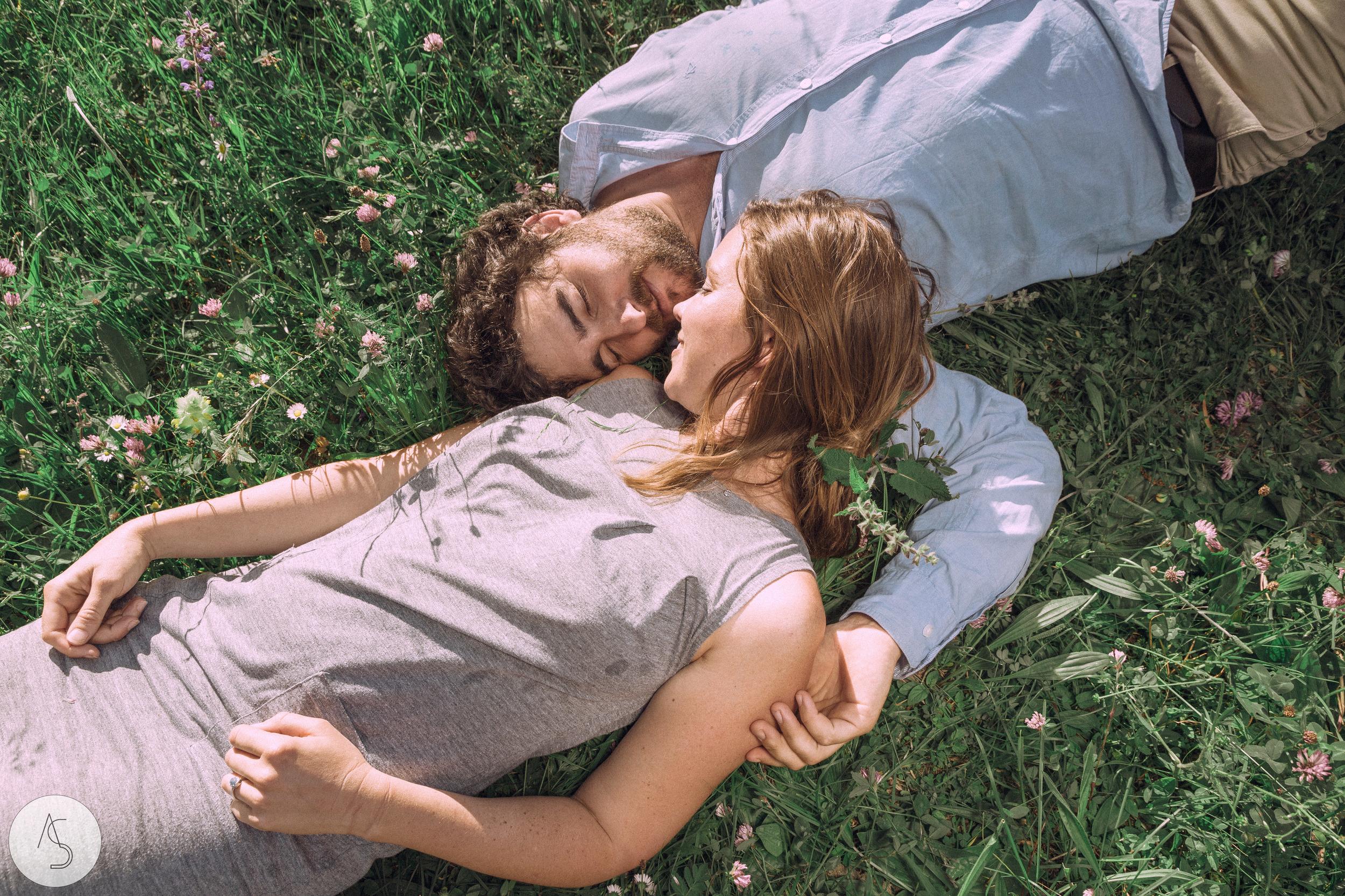 Séance engagement - La Drôme - Lifestyle_ Photographe couple34.jpg